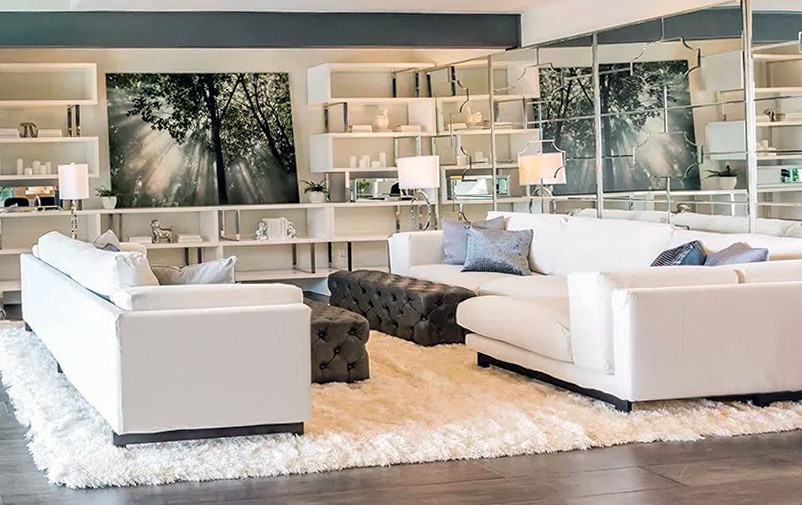 Upholstery cleaning: Photo of a modern living room.